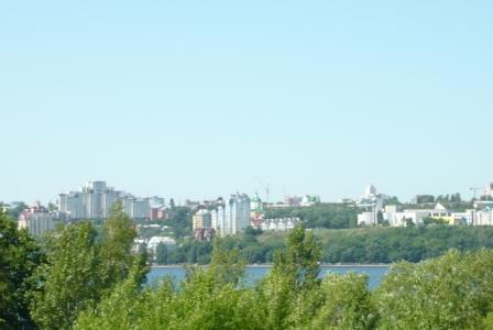 Вид с левого берега на правый.