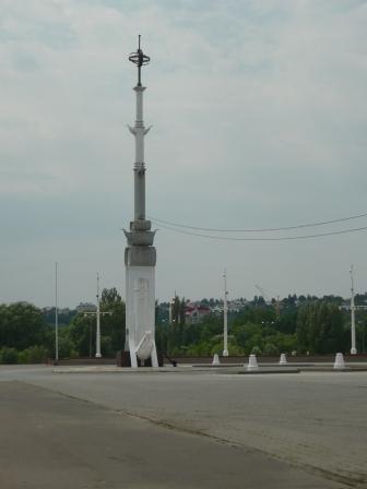 Стелла на Адмиралтейской площади.
