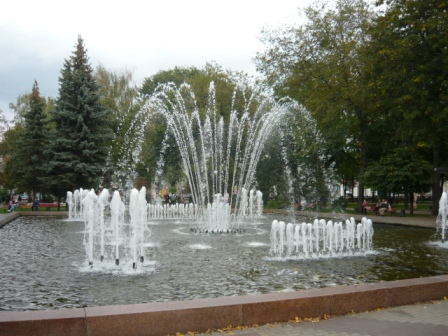 Фонтан в Кольцовском сквере.
