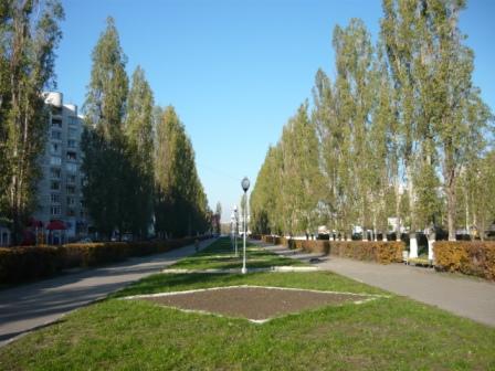 Сквер на улице Остужева.