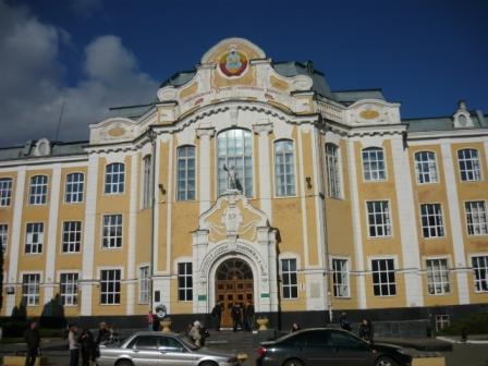 Фасад СХИ