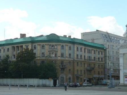 Многострадальное здание площадь Ленина, 6